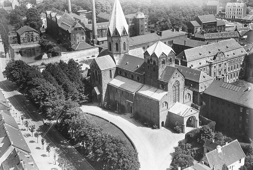 St. Ludgerus mit Feintuchwerken und Abtei als Zuchthaus