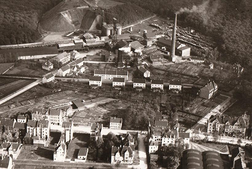 24-1: Frühes Luftbild Zeche Langenbrahm, Alfredusbad und Straßenbahndepot