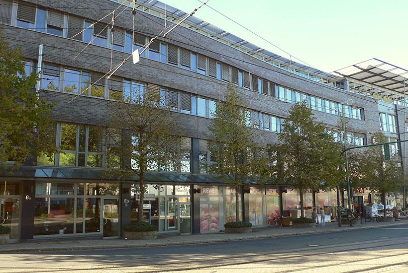 24-4: Büro- und Geschäftskomplex Bredeneyer Tor 2011