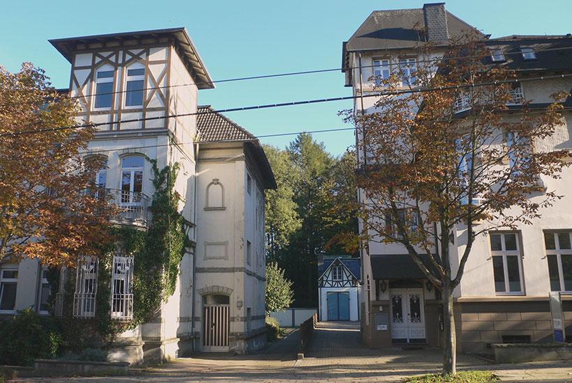 24-5: Herrschaftliche Häuser Bredeneyer Straße 21 und 23