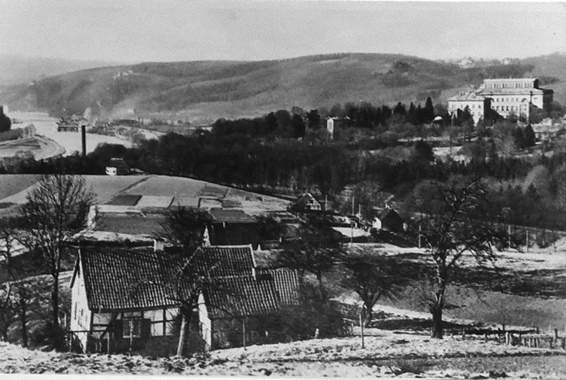 4-2: Baldeneyer Berg und – rechts hinten – die Villa Hügel 1920er-Jahre