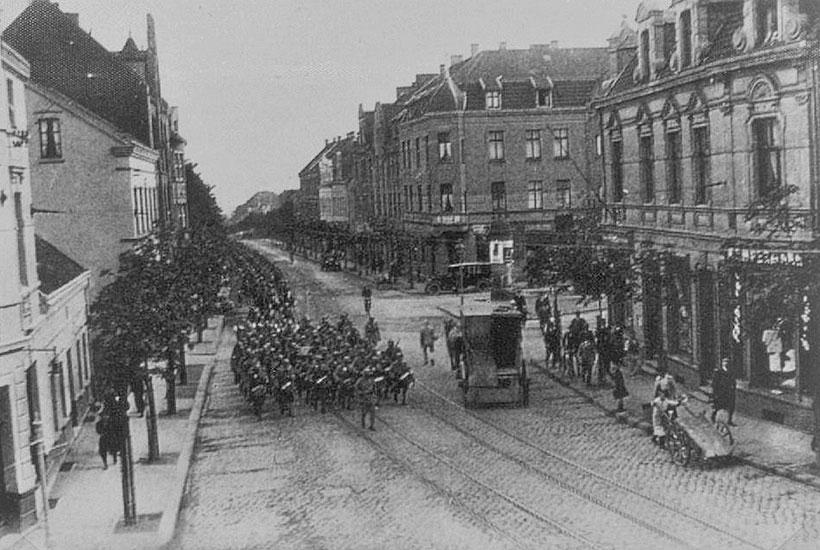 27-2: Bredeneyer Straße – Einmarsch der Franzosen 1923