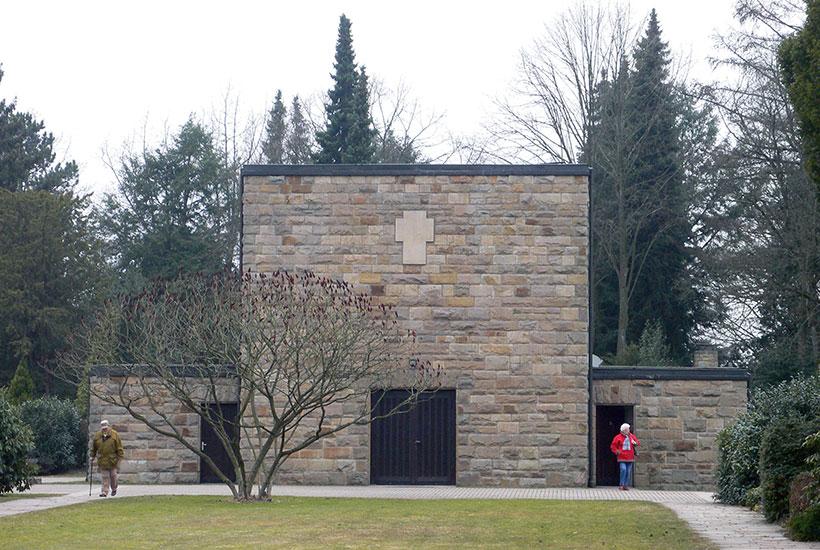 20-2: Friedhofskapelle 2011