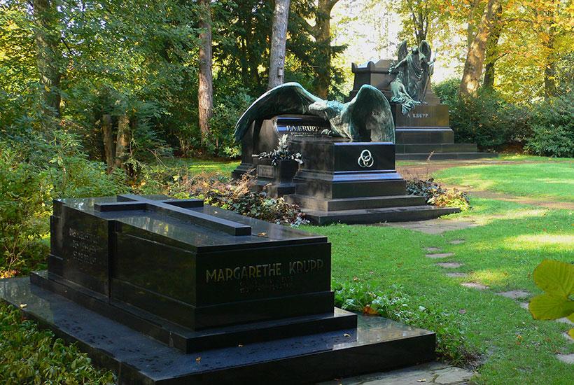 Gräber von Margarethe, Friedrich Alfred und Alfred Krupp