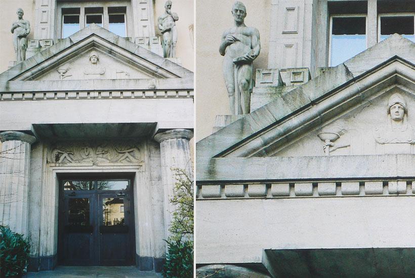 16-3: Figurenschmuck am Frontportal der Goetheschule