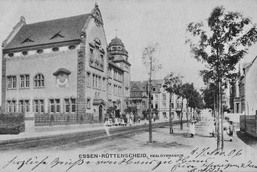 16-4: Frühere Goetheschule in Rüttenscheid vor 1945