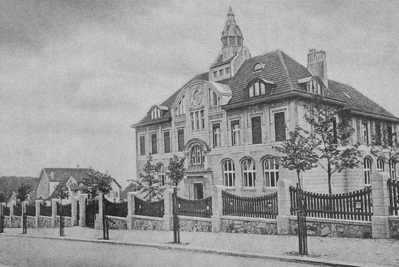 8-1: Graf-Spee-Schule vor dem Brand 1921