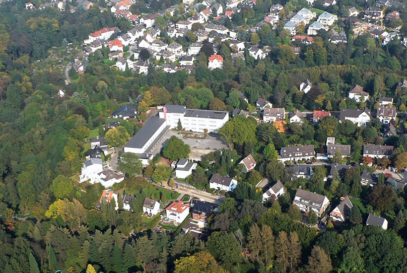22-2: Luftbild Grashof Gymnasium um 2007