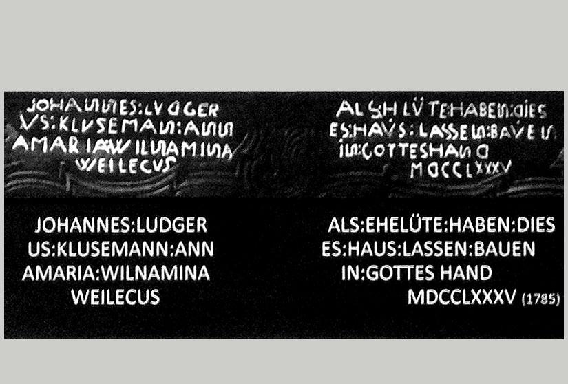 """6-4: Restaurant """"Zur Kluse"""" – Balkeninschrift von 1786 über der Eingangstür"""