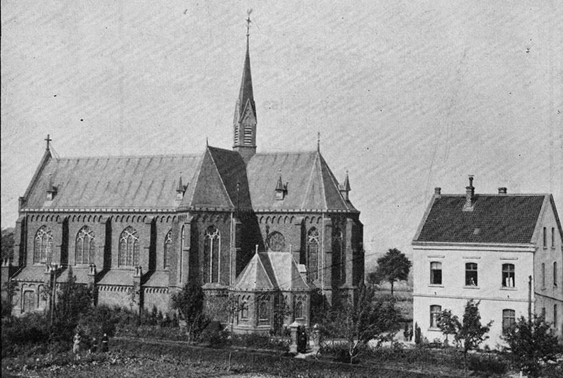 10-1: Kirche St. Markus mit Pfarrhaus 1883