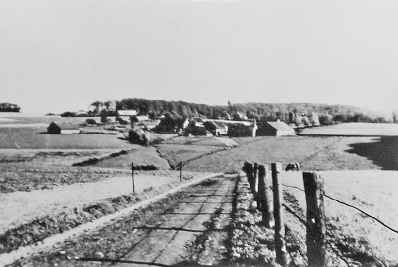 19-3: Meckenstocker Hofgruppe von Schuir aus vor 1964