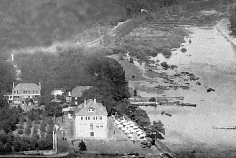 """3-4: Schloss Baldeney mit Neubau der Gaststätte """"Baldeneyer Fähre"""" vor 1930"""