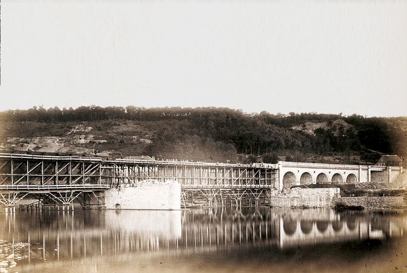Historisches Foto vom Bau der Brücke in Kettwig