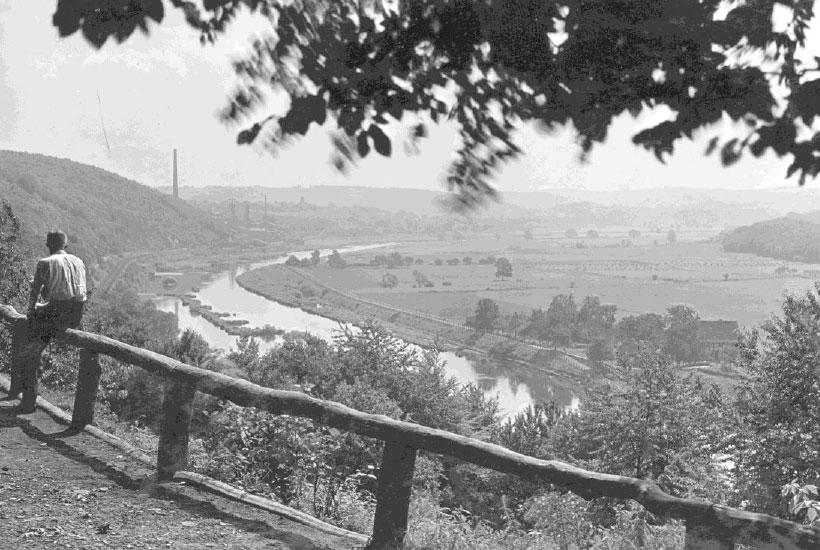 Blick ins Ruhrtal vor Bau des Baldeneysees, ca. 1929