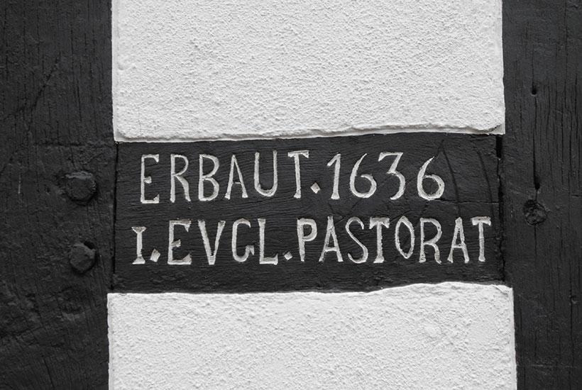 Inschrift am Haus