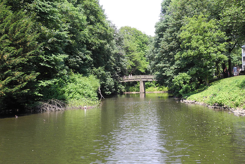 Brücke über den Heyerstrang zum Brehm