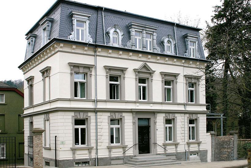 Erbaut 1833 als Privathaus, später Wohnhaus Bürgermeister Breuer