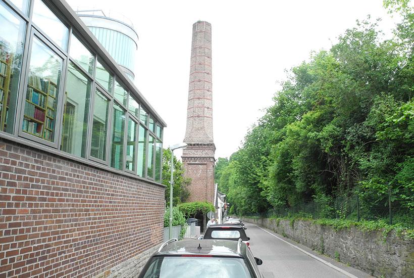 Achteckiger Schornstein der ehem. Tuchfabrik Gebr. Feulgen