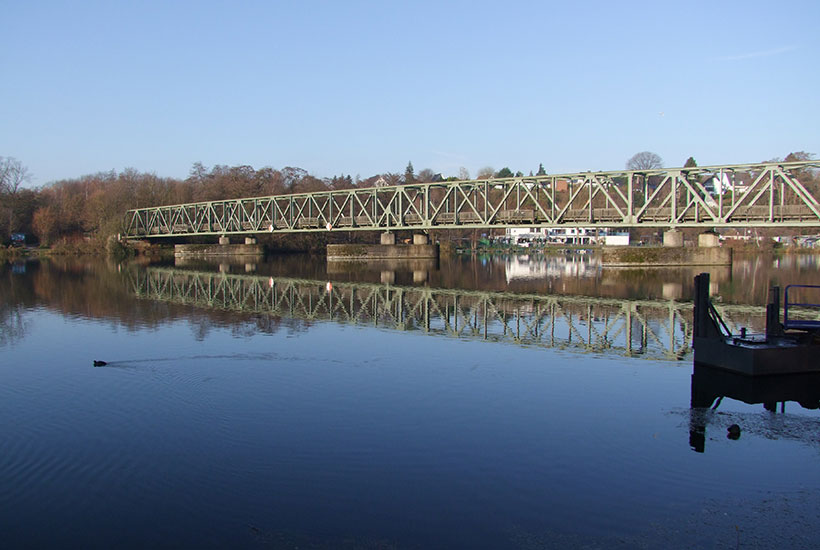Eisenbahnbrücke über den Baldeneysee