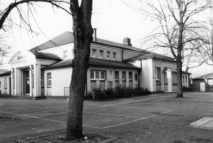Jugendhalle